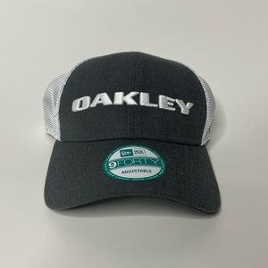 NWT Oakley 9Forty Adjustable Hat